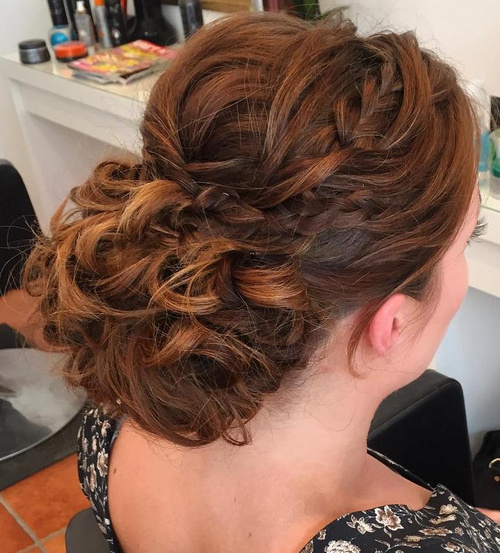 curly hair prom styles trubridal wedding 40 most delightful prom updos for 3903