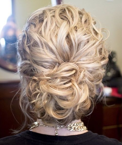 20 Lovely Long Curly Hairstyles