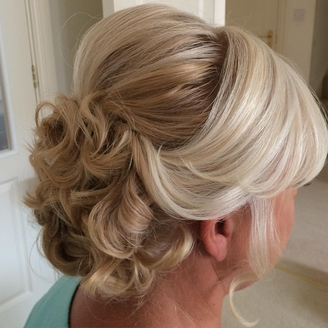 17 Gorgeous Wedding Updos For Brides In 2019: 50 Ravishing Mother Of The Bride Hairstyles