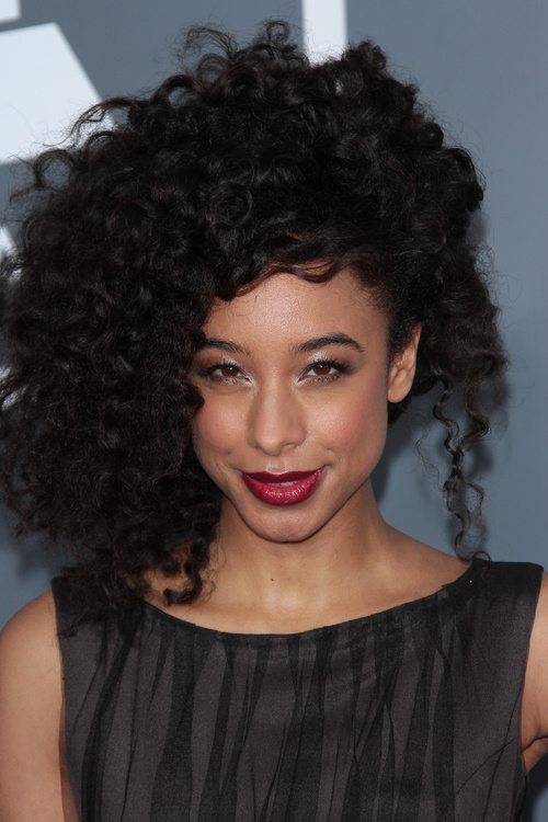 15 Diverse Hairstyles For Long Natural Hair