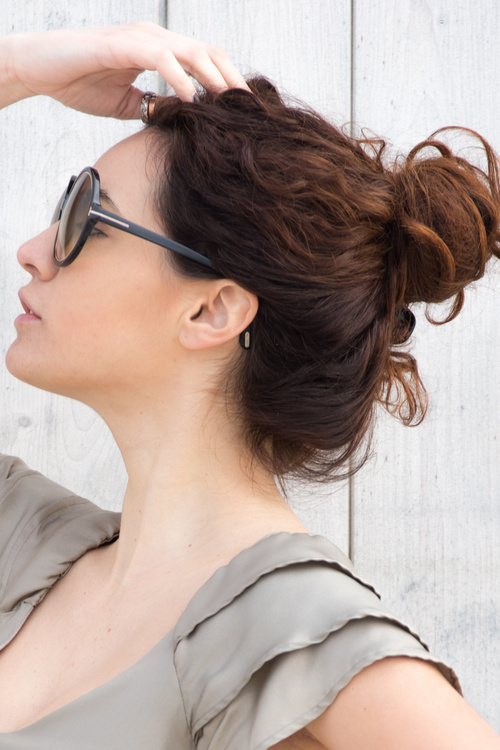 hair bun styles 10 popular high bun hairstyles worn today 6874