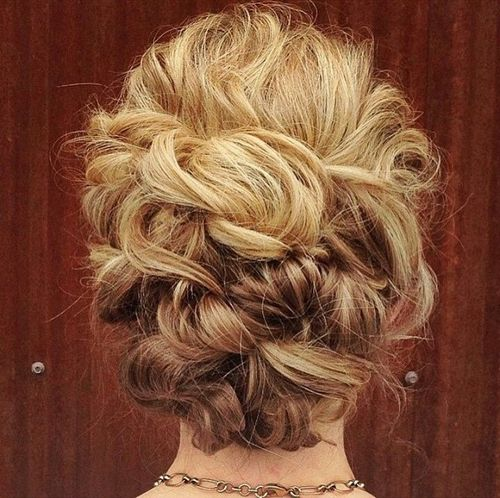 Effortless Bridesmaid Upstyles: 40 Creative Updos For Curly Hair