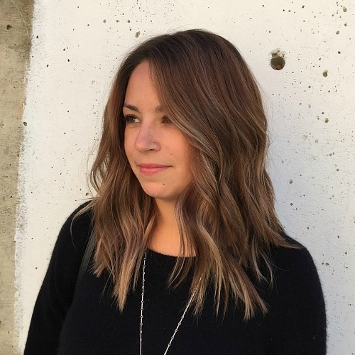 Choppy Brown Hairstyle With Subtle Highlights