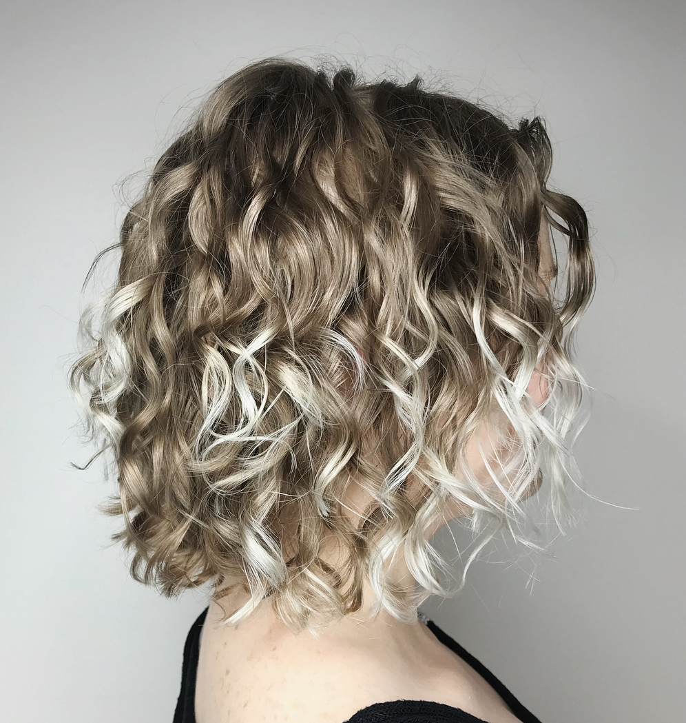 20 Chicest Hairstyles For Thin Curly Hair The Right