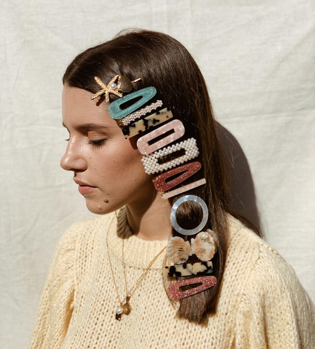 11 Best Hair Accessory Trends