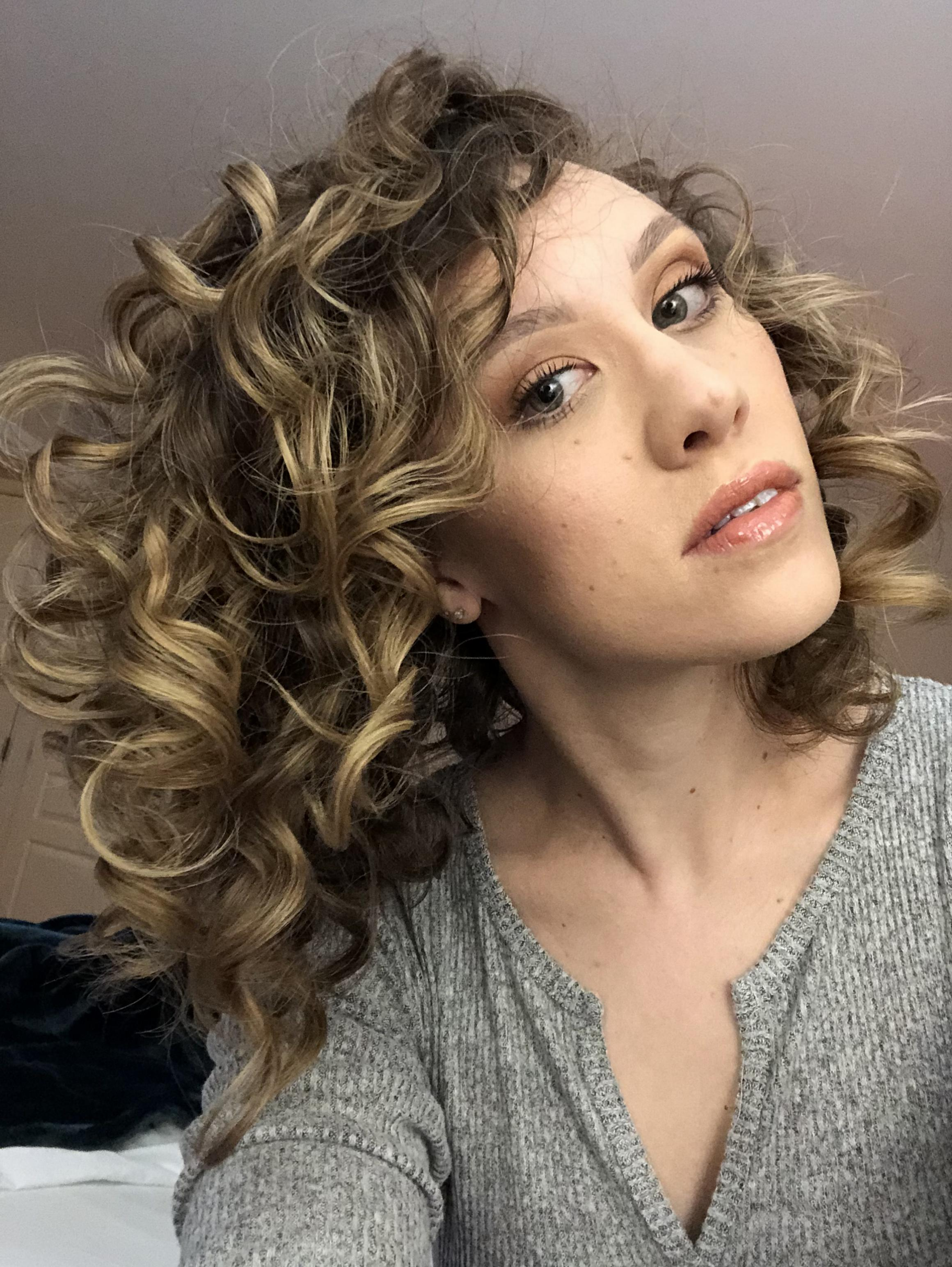 The Plump Method for Styling Curly Hair