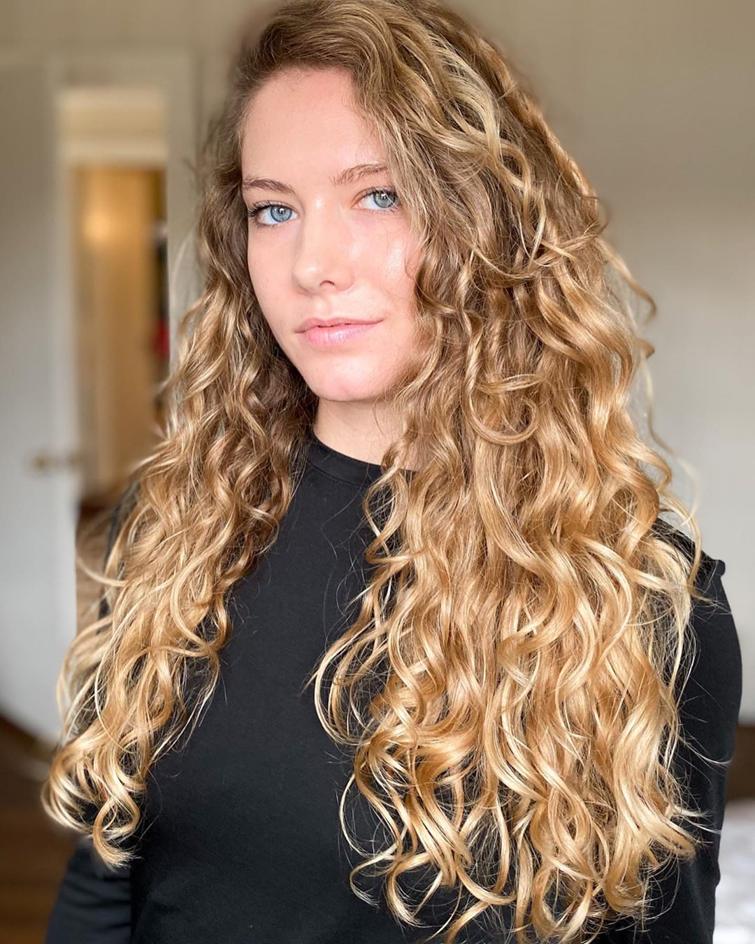 12 Tricks To Modify The Curly Girl Method For Wavy Hair In 2020
